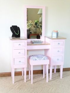 52 Superb Makeup Vanity Table Designs To Decorate Your Home - One of the most important parts of my day, being female, is getting ready in the morning. When I think I look good, I feel good and this helps me to g. Kids Makeup Vanity, Makeup Table Vanity, Makeup Tables, Vanity Seat, Room To Grow, Quality Furniture, Decorating Your Home, Pink Furniture, Table Designs