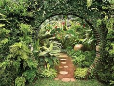 Tropical garden design be equipped modern garden design ideas be equipped garden patio design ideas be equipped small garden landscaping ideas Moon Garden, Diy Garden, Shade Garden, Dream Garden, Garden Art, Garden Tips, Garden Edging, Garden Plants, Courtyard Landscaping