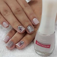 29 Wonderful Glitter Nail Patterns For other models, you can visit the category. Mani Pedi, Manicure And Pedicure, Light Nails, Nail Patterns, Luxury Nails, Cute Nail Designs, Weird And Wonderful, Barbie, Glitter Nails