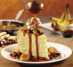 Longhorn Steakhouse Copycat Recipes: Bananas (Foster) Cheesecake ~ *omit all the rum, so not a foster recipe :) . really like the texture & height of cake, and no fuss with bain marie either Banana Foster Cheesecake Recipe, Cheesecake Recipes, Dessert Recipes, Drink Recipes, Cooking Recipes, Just Desserts, Delicious Desserts, Yummy Food, Tasty
