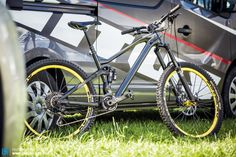 We noticed this sexy prototype hidden behind the Vitus vans, notice there are no welds in the front triangle, thats pure carbon baby!