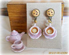 Orecchini pendenti con tazze di tè e cookies, by Ibisco Creazioni, 11,01 € su misshobby.com