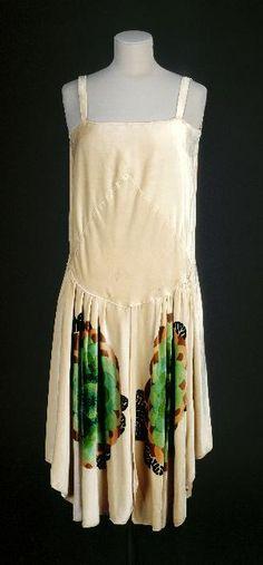 Lucien Lelong, Cream Velvet Evening Dress. French, 1927. ~ETS #artdeco #vintagefashion