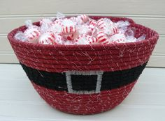 rope coiled fabric bowl//Santa's Belly Holiday Fabric Coiled Bowl by on Etsy Rope Basket, Basket Weaving, Making Baskets, Fabric Bowls, Rope Crafts, Clothes Line, Fabric Covered, Fabric Scraps, Quilting Projects