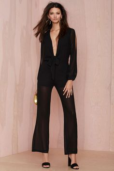Not a dress fan but still want to look smart? Grab a dressy jumpsuit from Nasty Gal. black and white jumpsuits. Black Jumpsuit Outfit, Jumpsuit Dressy, Cute Winter Outfits, Effortless Chic, Stylish Girl, Playing Dress Up, Jumpsuits For Women, What To Wear, Rompers