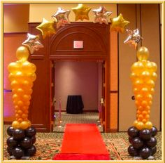 Interesting captured quinceanera party planning go right here Hollywood Party, Hollywood Red Carpet, Red Carpet Theme, Red Carpet Party, Balloon Columns, Balloon Arch, Deco Ballon, Christmas Balloons, Party Fiesta