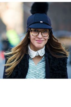 Ensemble of quirky accessories - Eye-catching street style from Beaded Collar, Cool Hats, Street Chic, Street Fashion, Street Style Women, Riding Helmets, Milan, My Style, Womens Fashion