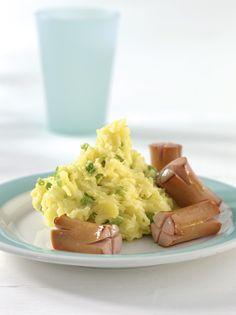 Erbsen-Stampfkartoffel mit Würstchen | Kartoffeln enthalten die Vitamine B6 und C und sorgen für starke Abwehrkräfte. Erbsen und Würstchen liefern Eisen für die Blutbildung und einen guten Eiweißmix.