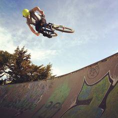 """Jéjé un the air !!! #grammont #montpellier #riding"""