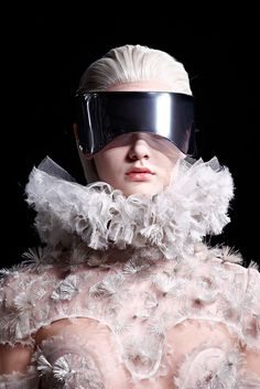 Alexander McQueen - Fall 2012 Ready-to-Wear