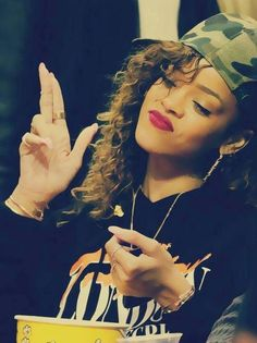 I don't really like her as a person, but I can't lie that Rihanna's style is pretty top notch!!!! Yeah!