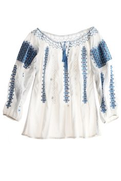 Romanian shirt Pool Fashion, Daily Fashion, Fashion Art, Gypsy Style, My Style, Boho Chic, Bohemian, Peasant Blouse, Plus Size Tops