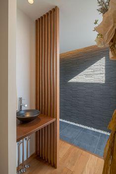CASE671 実りの平屋 Japanese Interior, Wood Slats, Entrance Hall, Basin, Club, House Styles, Holiday, Home Decor, Entryway