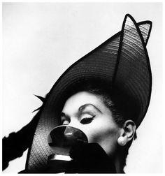 by Irving Penn, Lisa Fonssagrives, 1949