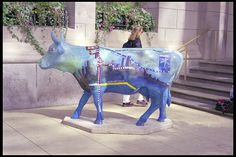 """Cows on Parade Chicago  The """"L"""" cow"""