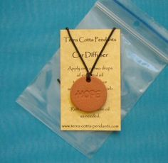 How to diffuse essential oils with a Terra Cotta Pendant: how to apply the oil, when to add more, how to change the oil, how to clean the pendant and more.
