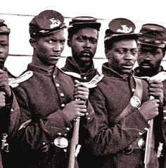 American Civil War Dress - African American Civil War Soldiers, Slavery led to the Civil war between the free North and the slaved South American Soldiers, American Civil War, Captain American, Joining The Military, Historia Universal, Civil War Dress, Black History Facts, Civil War Photos, Le Far West