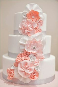 Beautiful flowers. Wedding cake -For more gerat wedding inspiration, tools and tips visit us at  http://www.brides-book.com