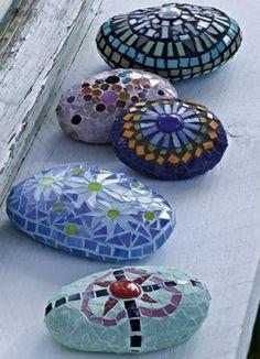 mosaik kristalle basteln anleitung garten gestalten oval glatt