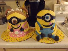 These are the Minion cakes I made for my girl's birthday party. :-)