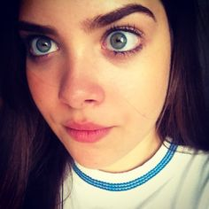 Gosto mais dessa. ✨ #caradelevigne #me #teen #teenager #girl #eyes #greeneyes #eyebrows #nose #face #lips #hair #natural #yay #happy #instagirl #instacool #instagood #instafashion #instahappy #picoftheday #photooftheday #bestoftheday #scarying #lol #lmao #lmfao #luvit - @catharinamachado- #webstagram