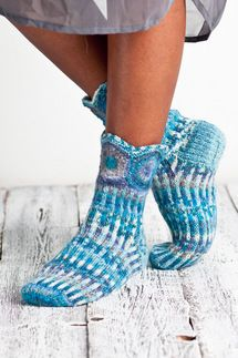 Kuura-sukat Wool Socks, Knitting Socks, Hand Knitting, Knitting Patterns, Knitting Ideas, Lots Of Socks, Cold Feet, Designer Socks, Ear Warmers