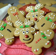 "It's always the perfect time to bake up some Gingerbread Cookies made with ""JIFFY"" Pie Crust Mix. A great way to teach the kids how to bake. Raspberry Cookies, Raspberry Muffins, Apple Cinnamon Muffins, Cinnamon Chips, Christmas Food Treats, Christmas Baking, Christmas Cookies, Drop Cookies, Yummy Cookies"