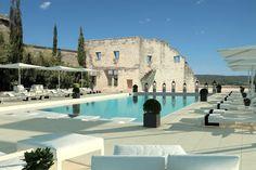En séjournant au Vieux Castillon, découvrez tous les lieux d'exception à visiter au coeur de notre Provence.