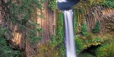 These six Oregon waterfalls will take your breath away @Roadtrippers - road trip planner - road trip planner