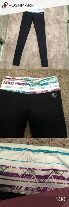 Black Legging w/Aztec Waistband Like new. Tone It Up legging. Runs small. Tone It Up Pants Leggings