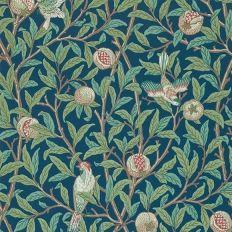 Papier peint - Morris and Co. - Bird & Pomegranate - Bleu marine et vert sauge. #papierpeint #wallpaper #wallcoverings #interiordesign #interiordesignideas #deco #décoration #decorationideas #decor #fleurs #flowers #oiseaux
