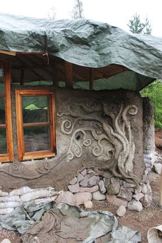 Small cob dwelling in Southern Finland built with no previous building experience. Built by Heidi Vilkman.
