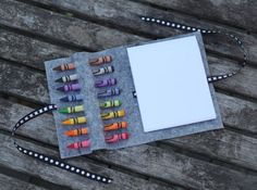 DIY No Sew Crayon Roll by smallfriendly gifts made gifts Diy For Kids, Crafts For Kids, Arts And Crafts, Craft Gifts, Diy Gifts, Craft Projects, Sewing Projects, Sewing Kits, Sewing Ideas