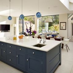 New Ideas Into Open Plan Kitchen Living Room Layout Never Before Revealed 00008 - homeknicknack Living Room And Kitchen Design, Open Plan Kitchen Living Room, Kitchen Family Rooms, Interior Design Kitchen, Open Plan Living, Green Kitchen Cabinets, Kitchen Units, New Kitchen, Kitchen Decor