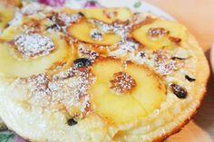 Wenn es so köstlich schmeckt, kann es keine Sünde sein! Rezept für feine Apfel-Pfannkuchen mit Rosinen und Mandelblättchen.