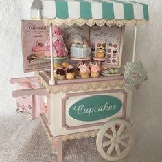 Miniature Cupcakes Car♡ ♡  By Susana Fernandez