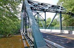 Simsbury Bridge, Crosses over Farmington River. Simsbury, Connecticut