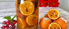 Świąteczny likier mandarynkowy - Blog z apetytem Best Food Ever, Beverages, Drinks, Grapefruit, Lunch Box, Food And Drink, Blog, Candles, Orange