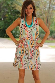 And I'm in LOVE with all these bright colors against the ivory. Gorgeous. Savedbythedress.com ya'll ;)