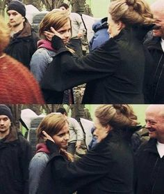 Emma Watson & Maggie Smith behind the scenes (Harry Potter & The Deathly Hallows, Part Harry Potter Tumblr, Harry Potter World, Mundo Harry Potter, Harry Potter Puns, Harry Potter Pictures, Harry Potter Love, Harry Potter Characters, Harry Potter Universal, Maggie Smith