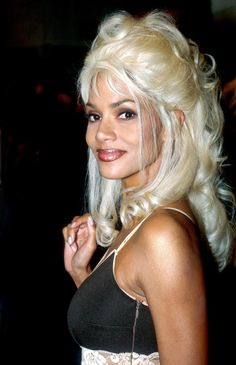 Halle Berry 1997 Halle Bery Halle Berry Hairstyles Girl Hairstyles Eddie