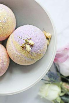 No-Fail Coconut Oil Bath Bombs Recipe