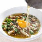 Cesnačka - spravovačka • recept • bonvivani.sk Ramen, Japanese, Ethnic Recipes, Food, Candle, Japanese Language, Essen, Meals, Yemek