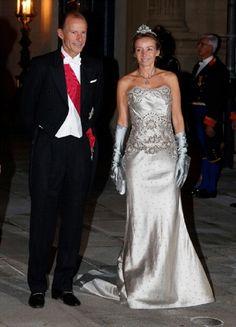 Gala diner ter gelegenheid van het huwelijk van Guillaume en Stephanie van Luxemburg. Prins Cyril van Bulgarije en zijn schoonzus Miriam, vrouw van prins Kardam.