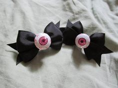 Diy Eyeball Bows! • Free tutorial with pictures on how to make a hair clip / barrette in under 15 minutes