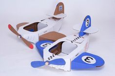 Smart cardboard toys for boys and girls by Trzymyszy. Cardboard Airplane, Cardboard Car, Cardboard Box Crafts, Airplane Costume, Kids Board, Cool Diy Projects, Toddler Toys, Toys For Boys, Boy Birthday