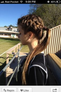 Sporty ponytail - might have the sportier girl wear this hairstyle