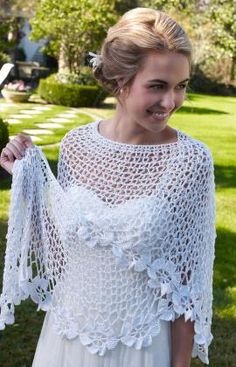 Add a homemade touch to your special day with this Beautiful Bridal Shawl. Use Aunt Lydia's Crochet Thread from Red Heart to complete this free crochet shawl pattern. It can be made in white for the bride, or in any color for a bridesmaid. Poncho Crochet, Pull Crochet, Mode Crochet, Crochet Shawls And Wraps, Thread Crochet, Crochet Scarves, Crochet Clothes, Lace Shawls, Knit Shawls