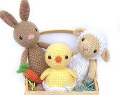 Horgolt Amigurumi Nyuszi : Adorable amigurumi bunny in vest free crochet pattern horgolt