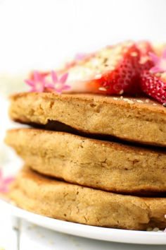 Fluffy Vegan Pancakes without Bananas {gluten-free and oil-free}
